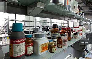 <p>Bio Natural pretende ser un foro para investigadores que estén trabajando en proyectos de investigación que estudien las múltiples aplicaciones de productos natrales bioactivos. El encuentro tendrá lugar en Lisboa, en la Universidade Lusófona, durante los días 27 y 28 de septiembre de 2019.</p>  <p>El programa abarcará diferentes líneas de investigación, entre las que destacan: productos naturales en el descubrimiento de fármacos, química de productos naturales, bioactividad de los productos naturales, productos naturales marinos, cosmética natural, alimentos funcionales y complementos alimenticios.</p>  <p>Además del contenido científico tendrá lugar una exhibición de ingredientes, suplementos funcionales y de salud con empresas en el mercado global en el sector de Productos Naturales.</p>  <p>Más información e inscripciones en Universidade Lusófona <a href=https://www.ulusofona.pt/>https://www.ulusofona.pt/</a></p>  <p></p>